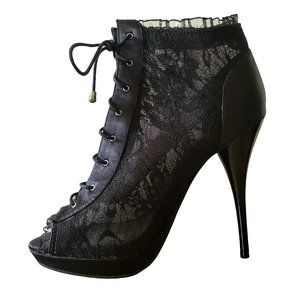 Bakers Lyndee Ankle Bootie Size 6 Black Lace 2030